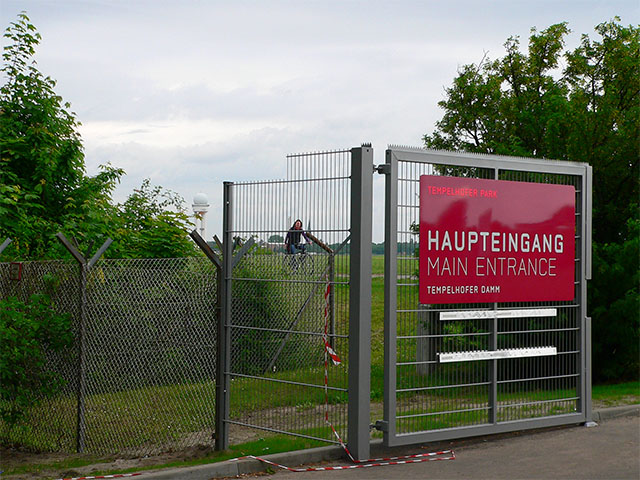 Tempelhofer Park - Haupteingang