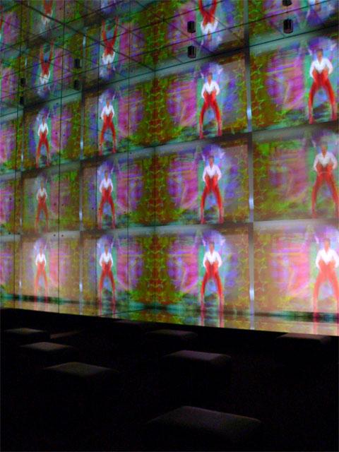 Videoinstallation im Spiegelsaal - Filmmuseum Berlin