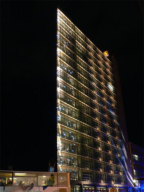 Hochhaus am Potsdamer Platz zum Festival of Lights