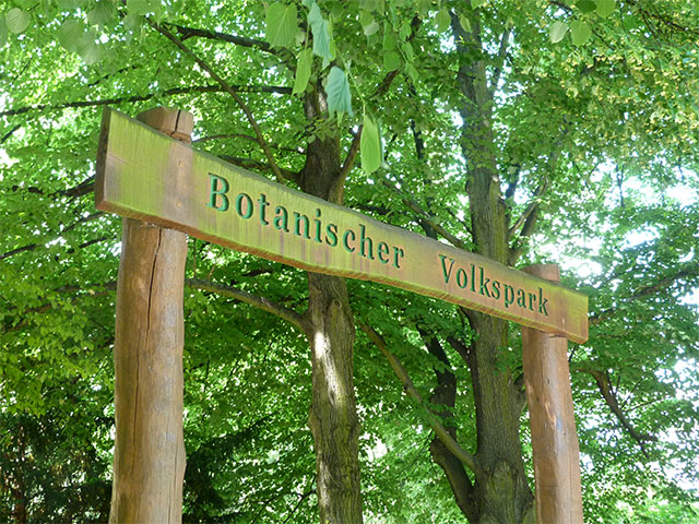 Botanischer Volkspark Pankow - Eingangsschild