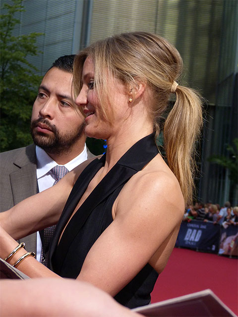 "Cameron Diaz gibt Autogramme - ""Bad Teacher"" in Berlin"