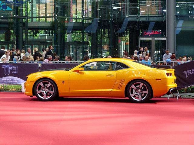 """Bumblebee von """"Transformers 3"""" zur Premiere in Berlin"""