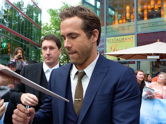 """Ryan Reynolds - """"Green Lantern""""-Filmpremiere in Berlin"""