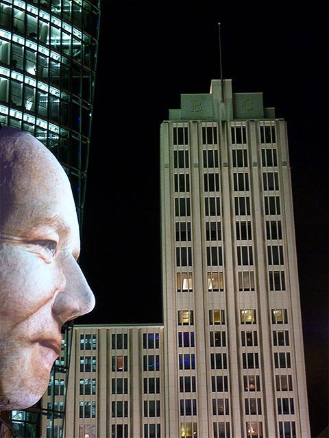 """""""Faces"""" am Potsdamer Platz - Berlin Festival of Lights 2011"""