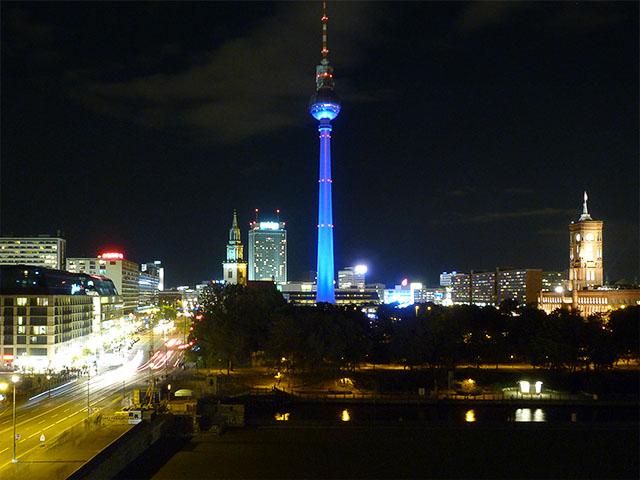 Blick zum Fernsehturm - Festival of Lights 2011 Berlin