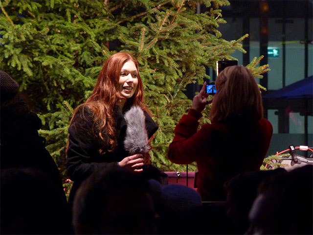 "Reporterin bei der ""Breaking Dawn""-Filmpremiere im Sony Center"