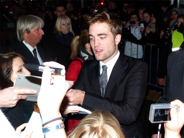 "Robert Pattionson - ""Breaking Dawn""-Filmpremiere Berlin"