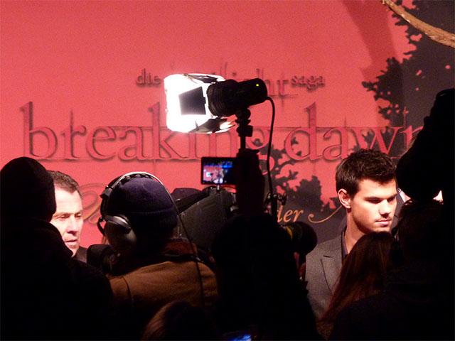 """Taylor Lautner bei der """"Breaking Dawn""""-Premiere in Berlin"""