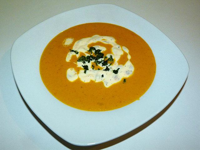 Karotten-Ingwersuppe mit Passionsfruchjoghurt - Kochhaus