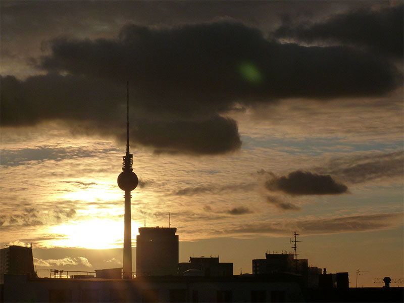 Berliner Ferhsehsturm bei Sonnenuntergang