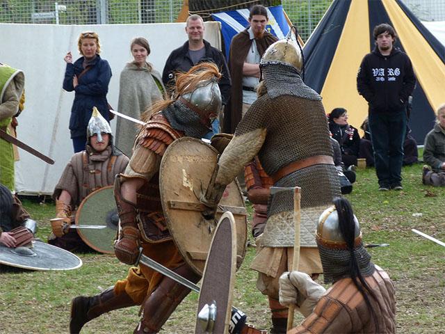 Wikinger- und Mittelalterspektakel in Pankow – Frettchen, Met und Ritterspiele