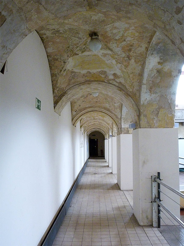 Säulengang im Stadtbad Prenzlauer Berg