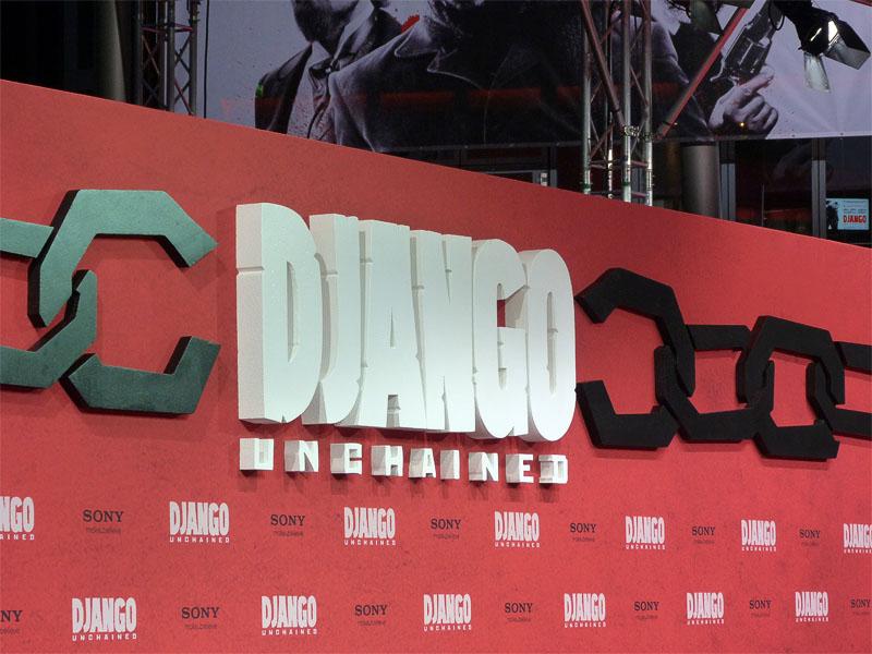 """Requisite von """"Django Unchained"""" bei der Deutschlandpremiere in Berlin"""