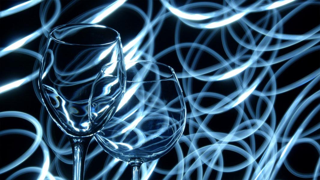 Lichtmalerei mit Weingläsern - Lightpainting