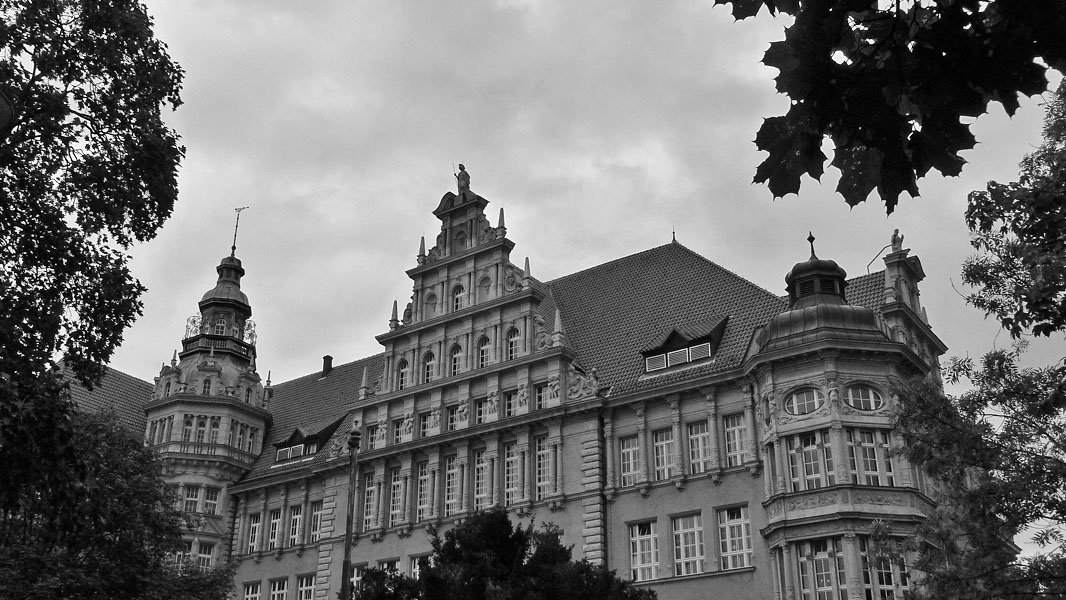 Carl-von-Ossietzky-Gymnasium Pankow - schwarz/weiß