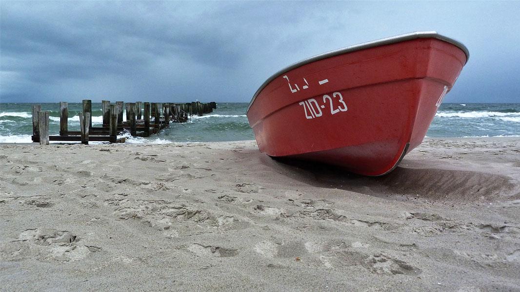 Ruderboot in Zingst an der Ostsee