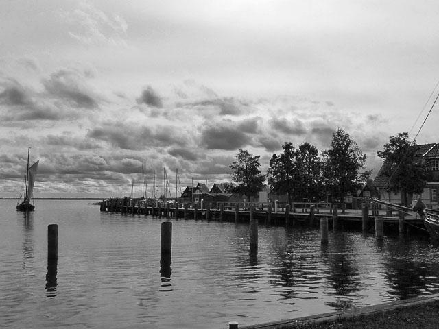 Hafen Ahrenshoop - schwarz-weiß