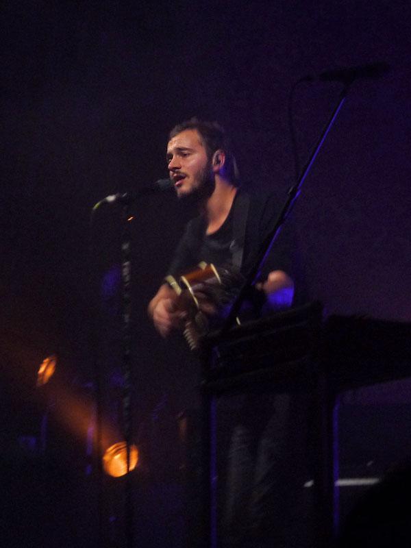 Sänger Tom Smith - Editors Konzert in der Columbiahalle Berlin