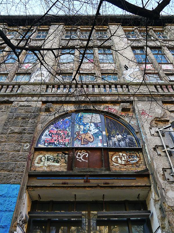 Kunsthaus Tacheles Berlin - Fensterfront