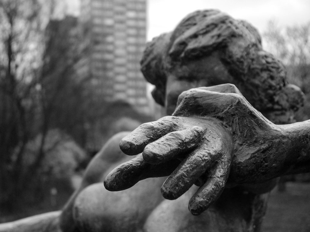 Bronzestatue am Fennpfuhl