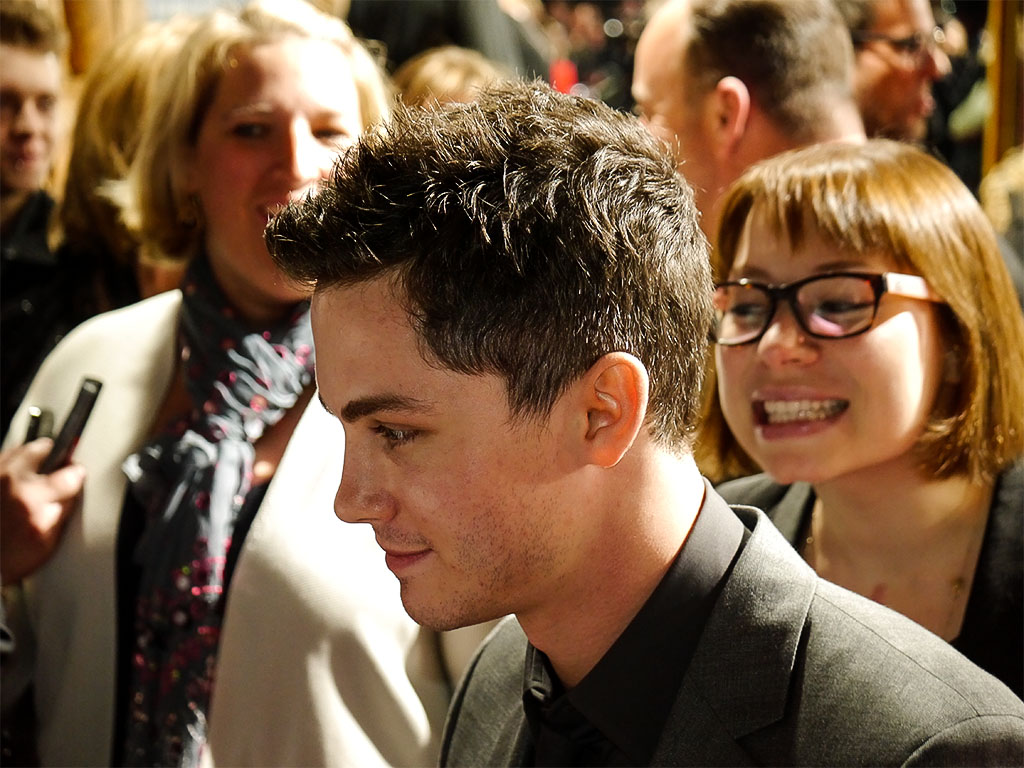 "Logan Lerman - ""NOAH"" Filmpremiere in Berlin"