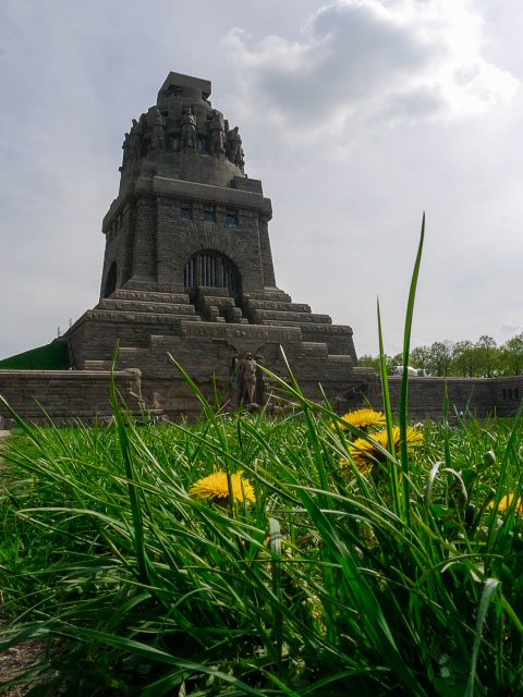 50f - Monument