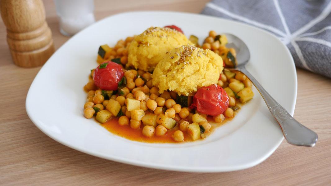 Orangen-Polenta auf Kichererbsengemüse - Vegan vom Feinsten