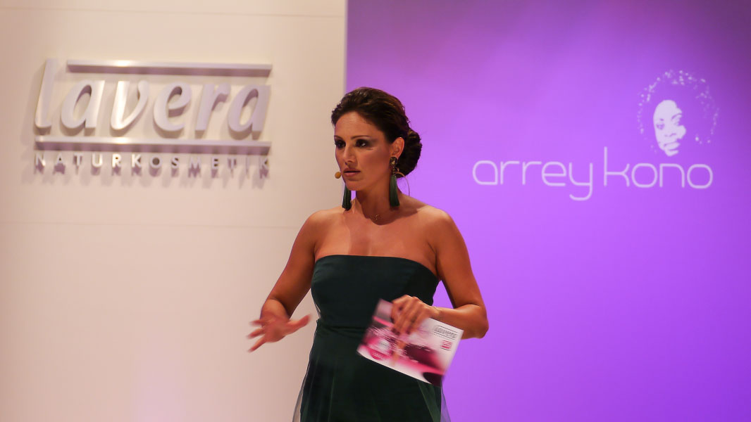 Lavera Showfloor - Nazan Eckes - Fashion Week