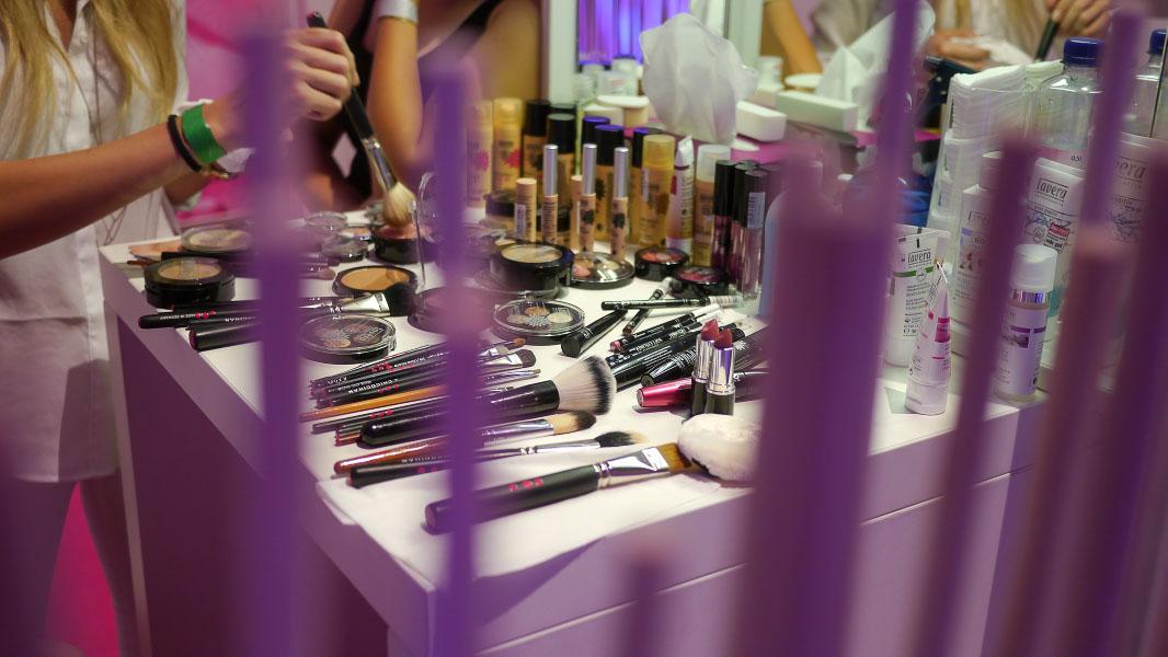 Schminktisch - Lavera Showfloor - Fashion Week