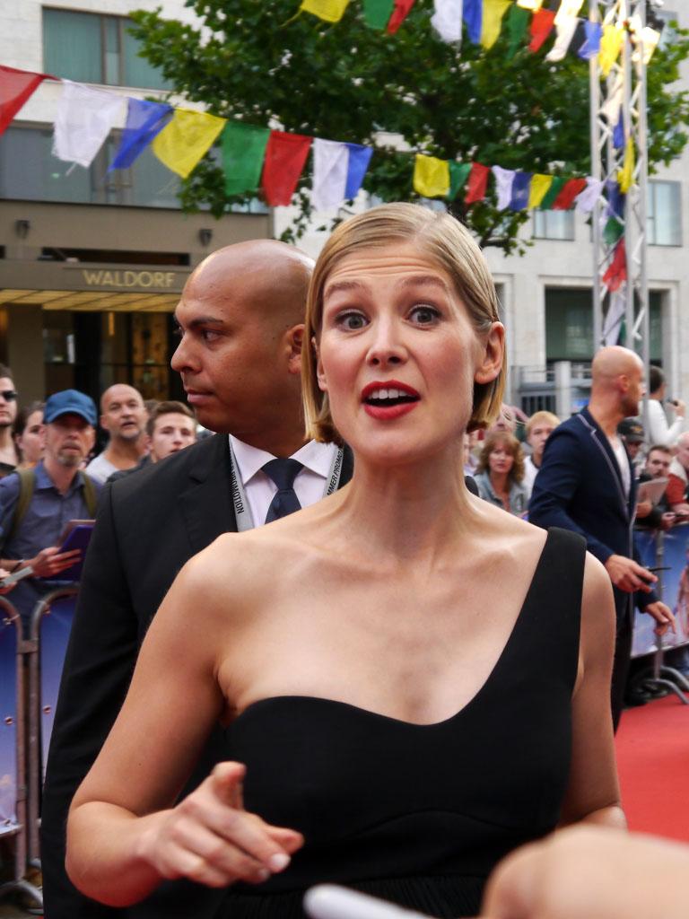 "Rosamund Pike - ""Hectors Reise"" Filmpremiere im Zoo Palast Berlin"