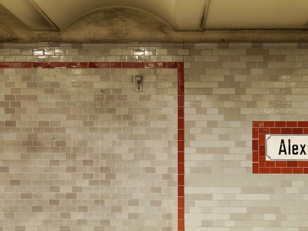 U-Bahnhof Alexanderplatz - Wandstruktur