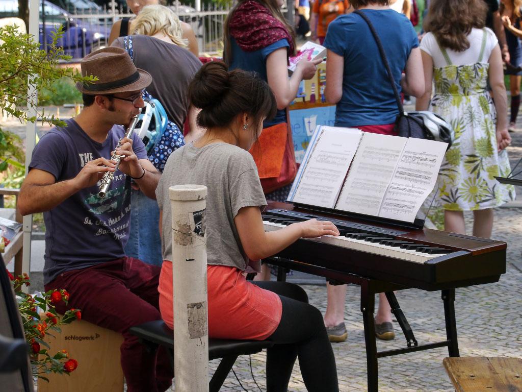 Musikperformance - 6. Flora-Kiezfest Pankow