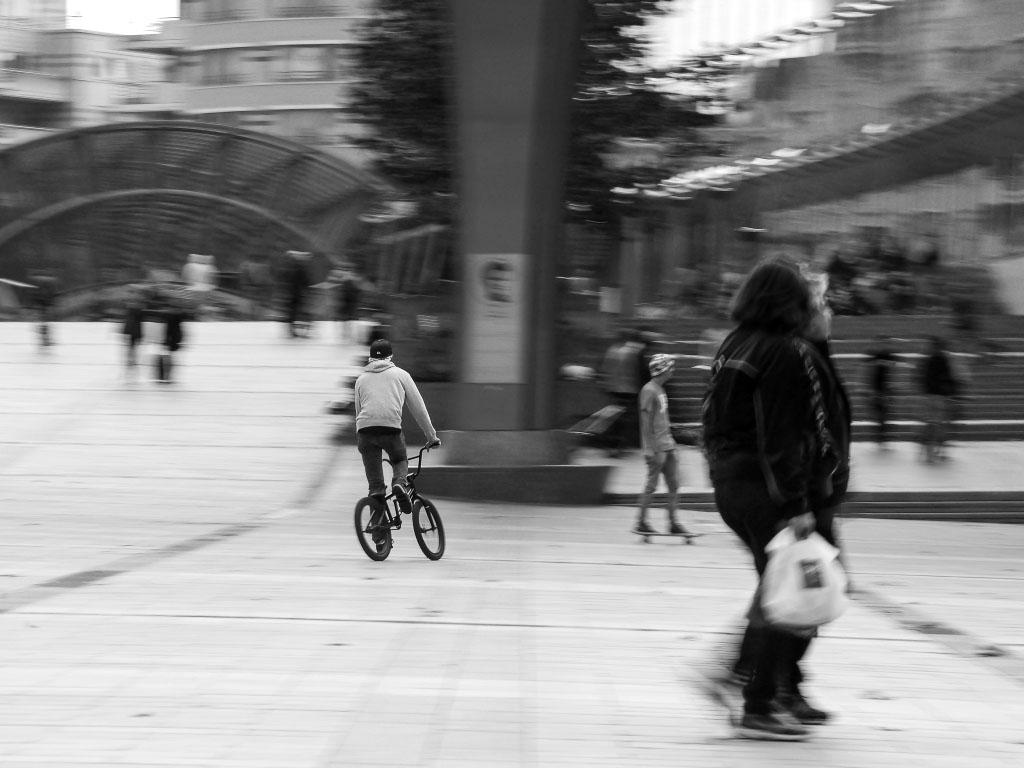 Biker im EU-Viertel in Brüssel