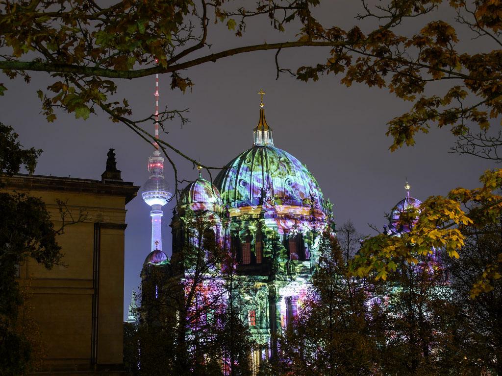 Berliner Dom & Fernsehturm - Festival of Lights 2014