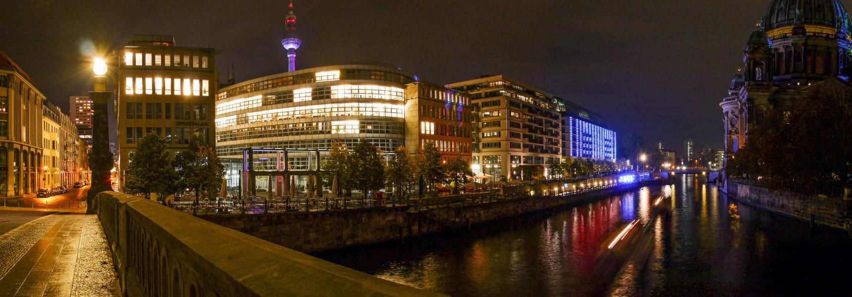 Blick von der Friedrichsbrücke - Festival of Lights 2014