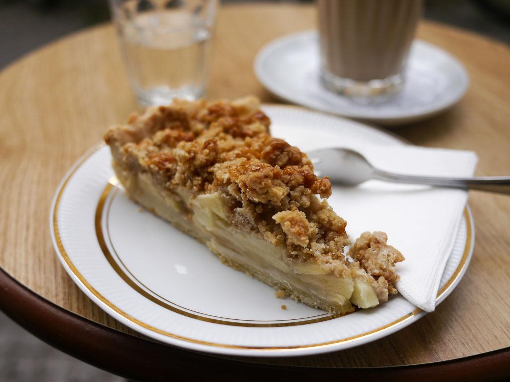 Apfel-Streusselkuchen mit Karamell - Wo der Bär den Honig holt