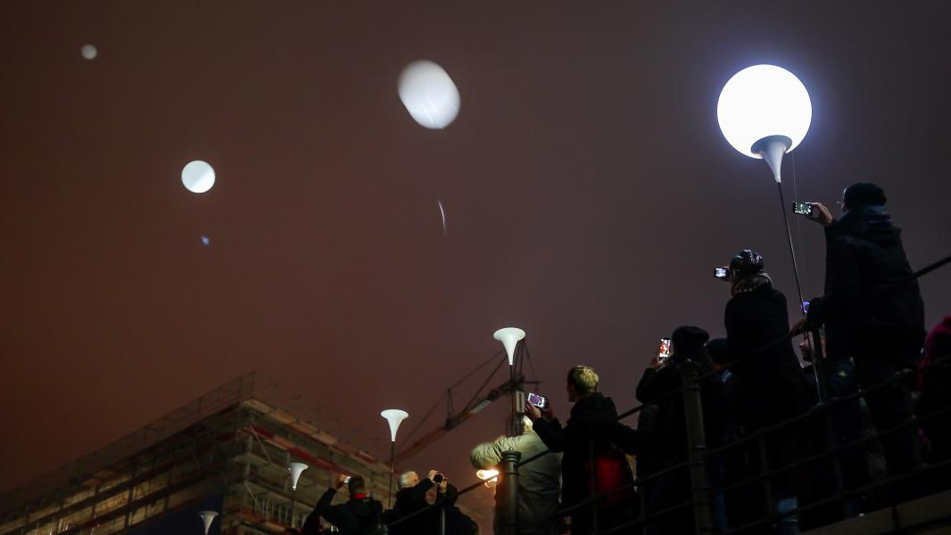 Ballonaktion - Lichtgrenze zum Mauerfall-Jubiläum in Berlin
