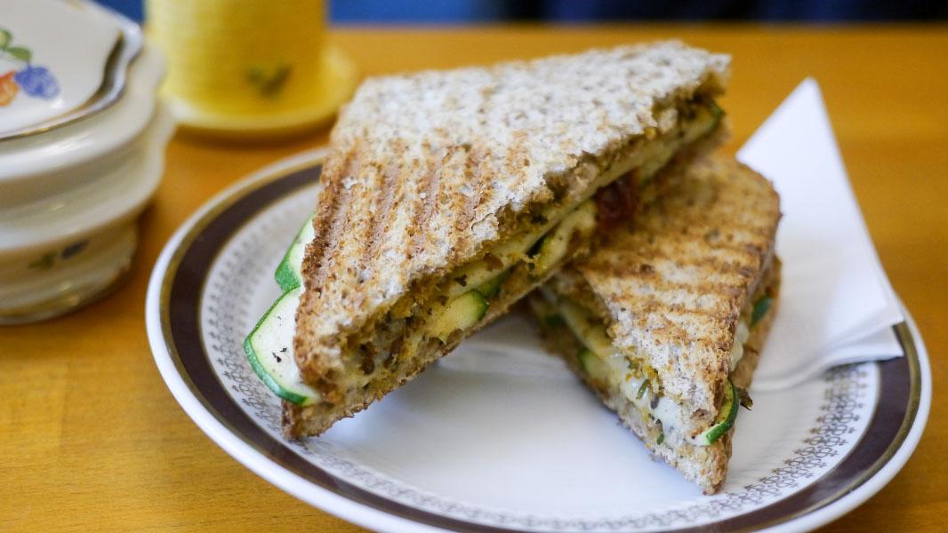 Bergkäse-Sandwich -  - Wo der Bär den Honig holt