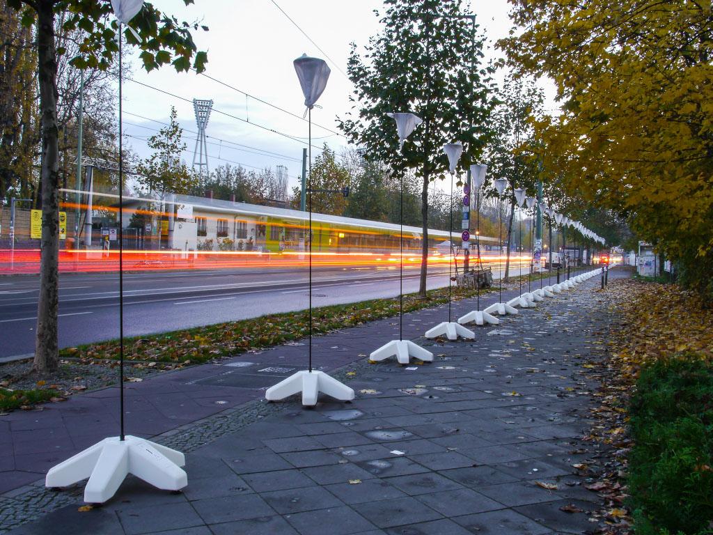 Lichtgrenze in der Bernauer Straße ohne Ballons