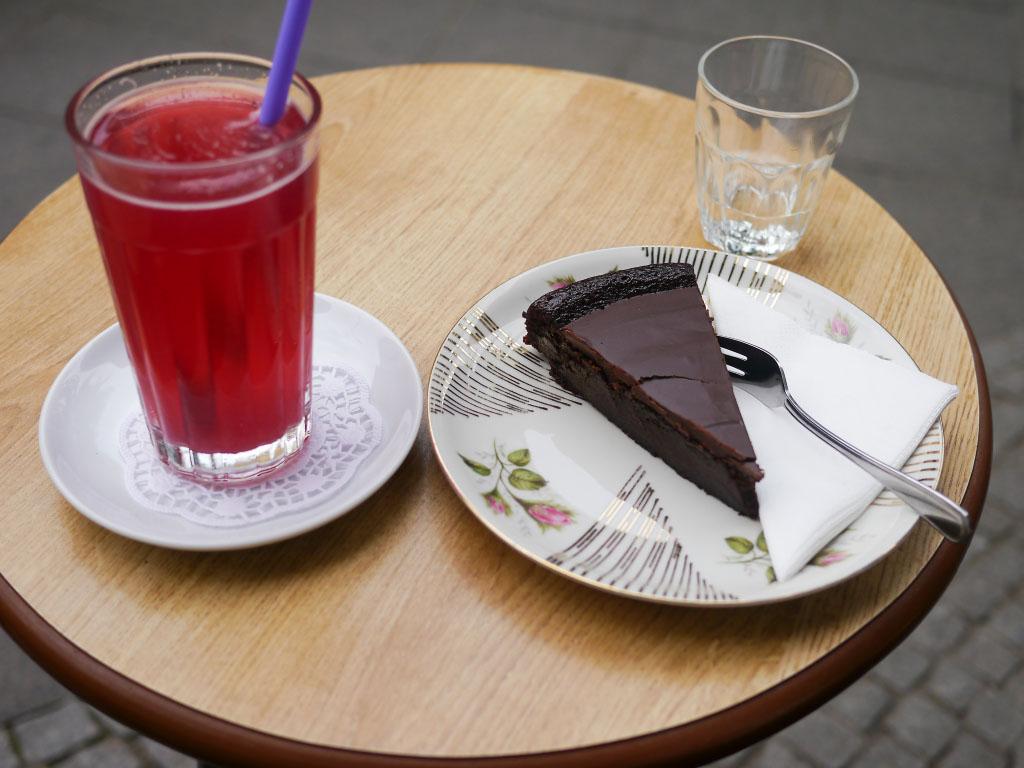 Schokoladen-Bananekuchen & Himbeerlimonade - Wo der Bär den Honig holt