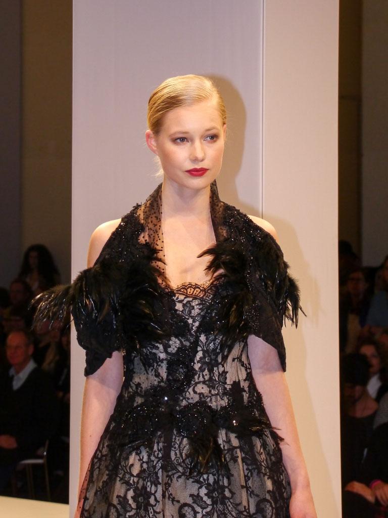 Ann Wiberg Couture - Schwarzes Federkleid Lavera