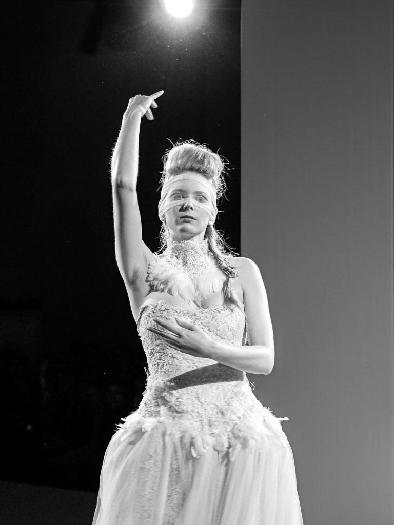 Ann Wiberg Couture - Weißes Federkleid Lavera