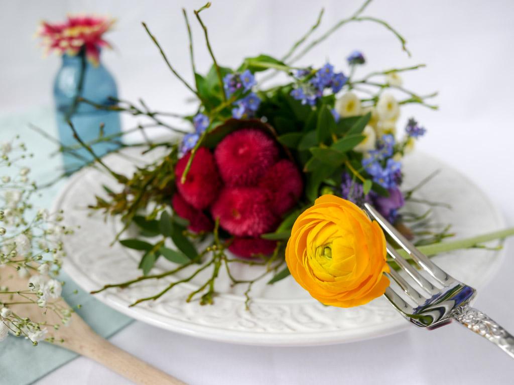 Frühlingsblumen-Teller