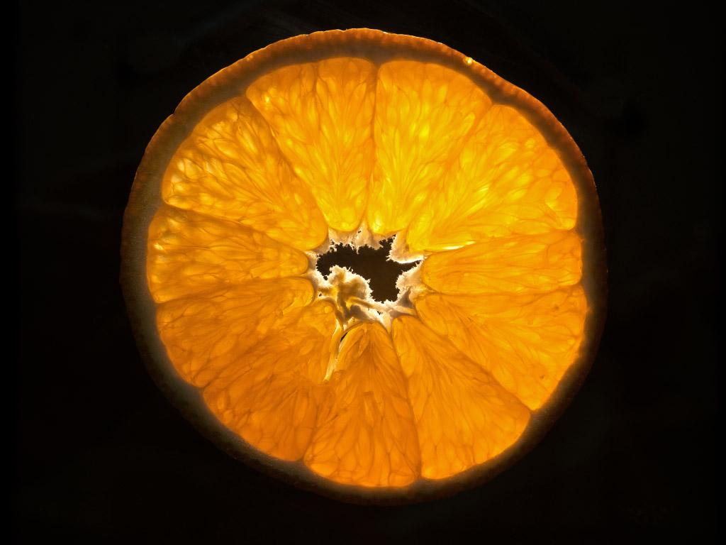 Orangenscheibe durchleuchtet