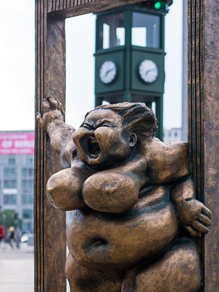 """Chubby Women"" Potsdamer Platz Berlin"