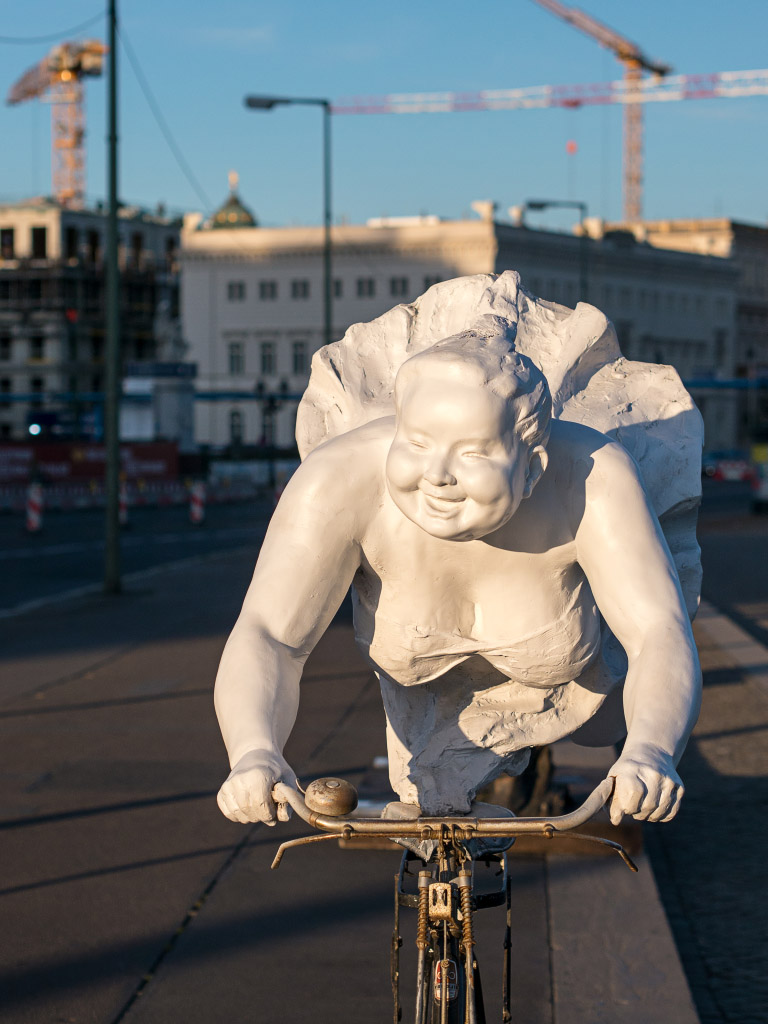 """Chubby Women"" Berlin - Tearing pace / Rasante Fahrt"