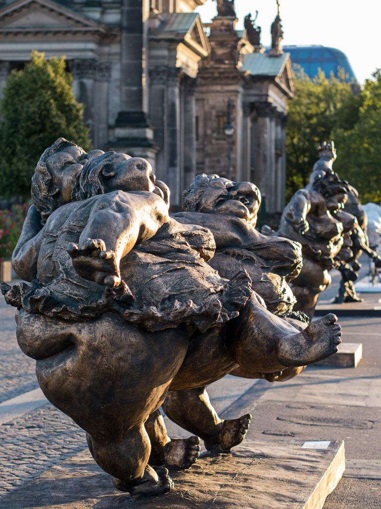 """Fat Ladies"" Berlin - Three women / Drei Frauen"