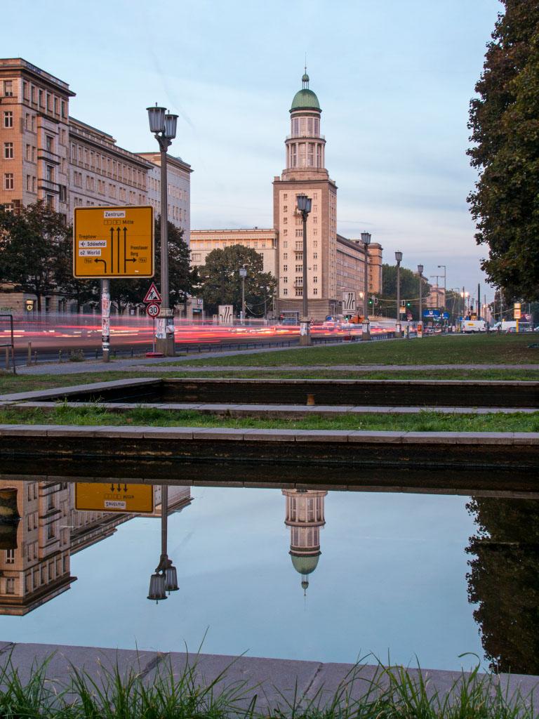 Frankfurter Tor - Spiegelung