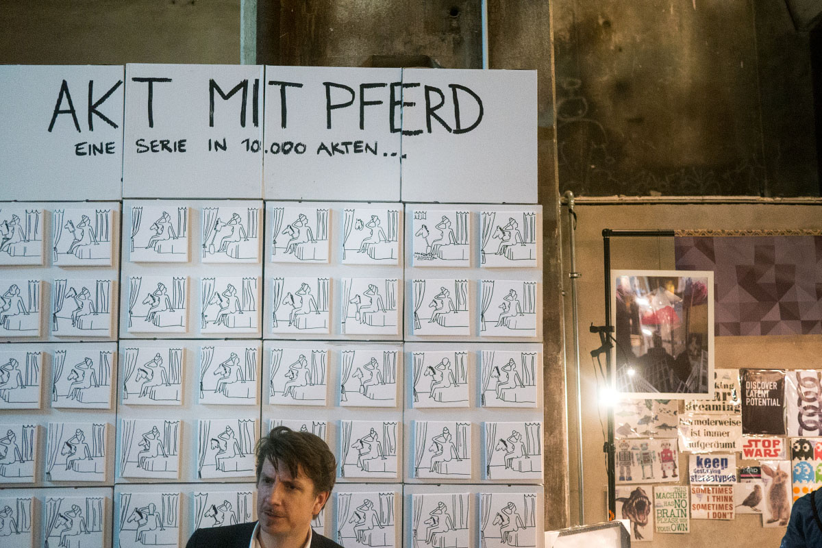 Akt mit Pferd - Holy Shit Shopping Berlin 2015