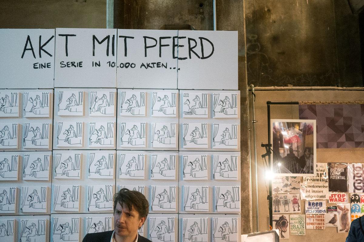 Akt mit Pferd - Holy Shit Shopping Berlin 2015